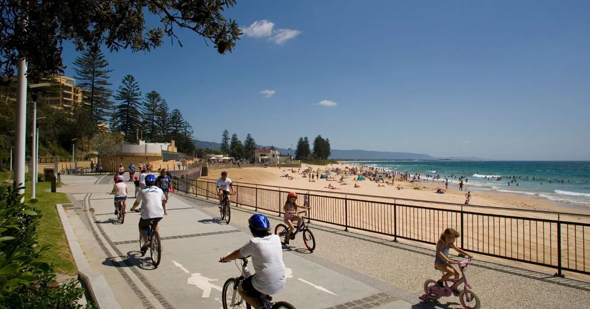 Bicycle pathway Wollongong Harbour