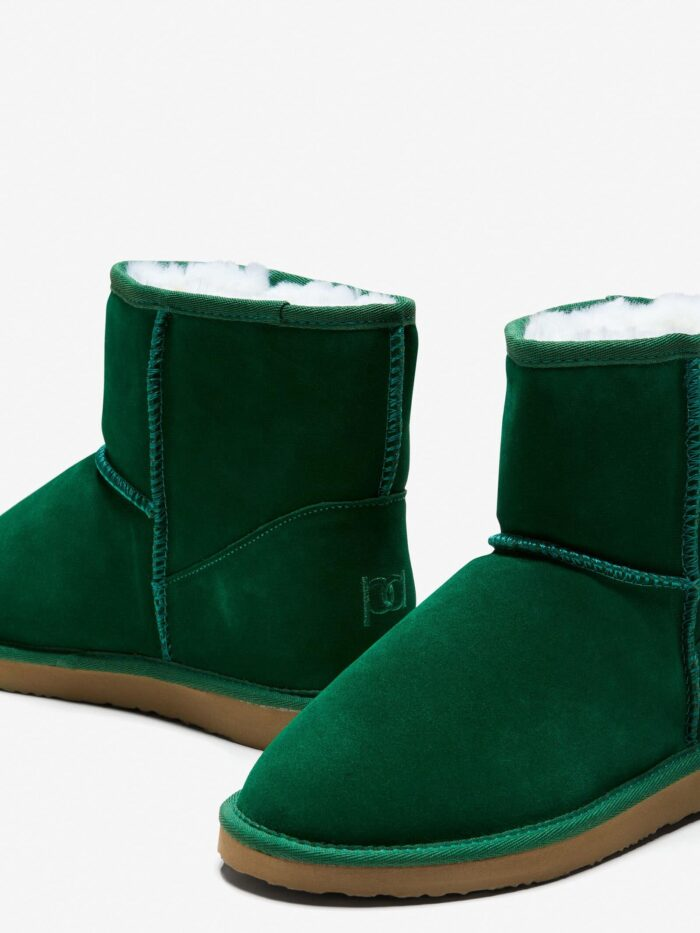 Emerald green ugg boots in Wollongong